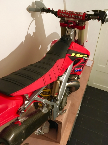 Factory HRC seat